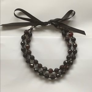 Jewelry - Beaded necklace with a bow